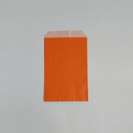 sobre papel naranja